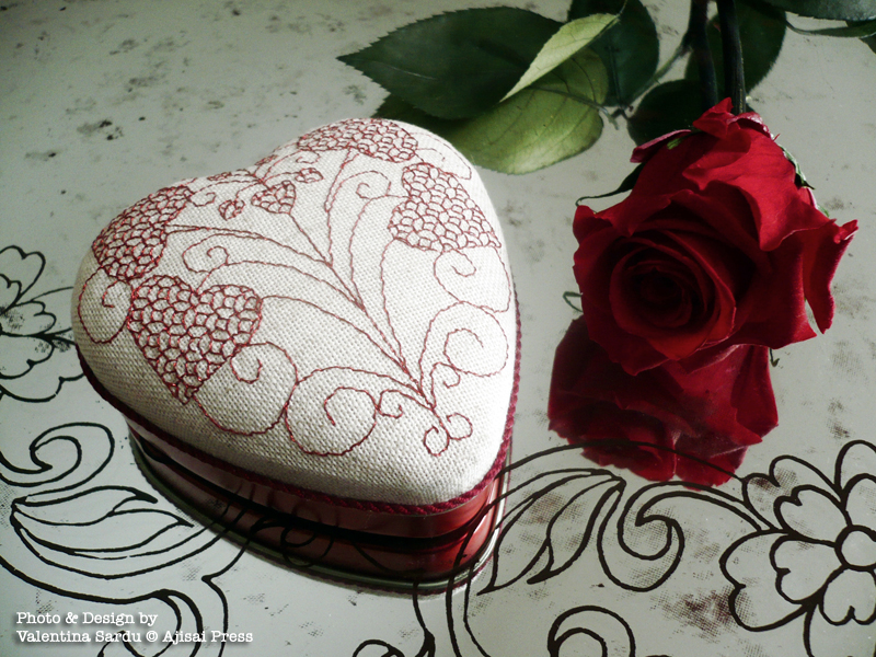 heart-shaped blackwork box - 3