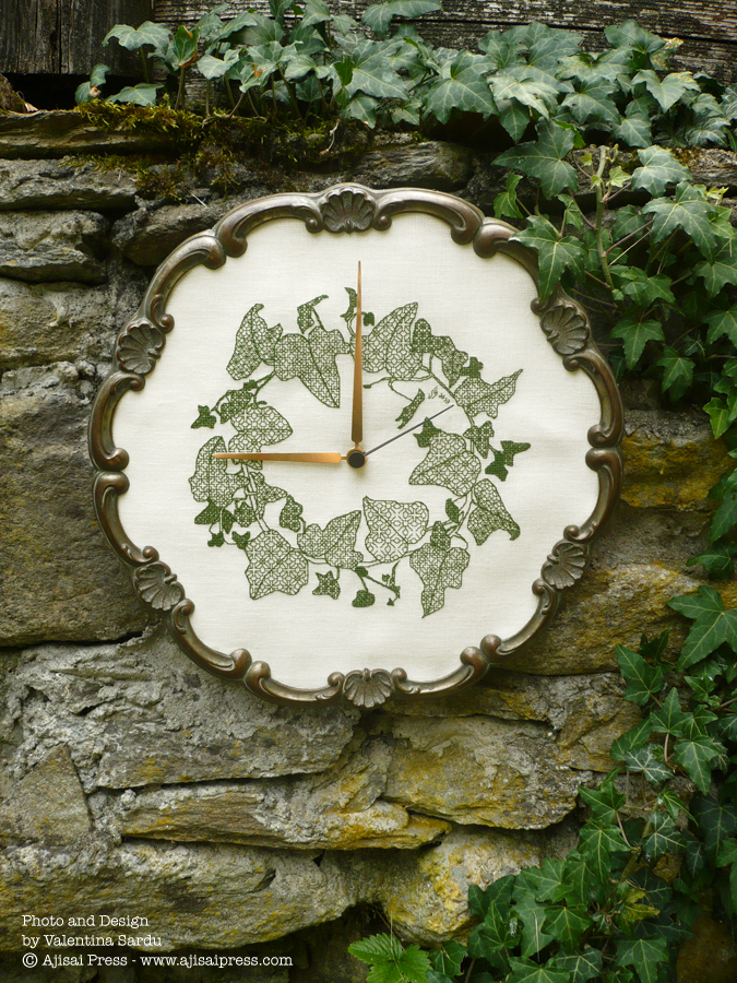 Ivy Wreath by Ajisai Designs - CLOCK